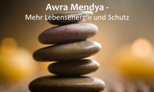Awra Mendya-mit Schrift
